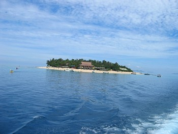Leaving Beachcomber Island